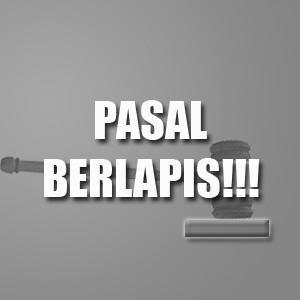 PASAR BERLAPIS, palu hakim