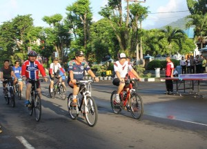 Car Free Day , bitung, max lomban