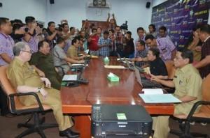 Golden Triangle,Dr DR. Djouhari Kansil MPd,DR. Sinyo Harry Sarundajang , Ir. S.R. Mokodongan,e-filing,