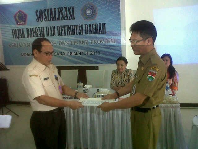 Bagi Hasil Pajak, Minahasa Tenggara, Roy Tumiwa