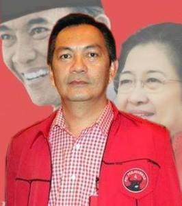 Drs Johny Runtuwene , PDIP tomohon, Walikota Tomohon ,  Caroll Senduk SH