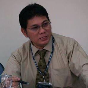 Kepala Dinas koperasi dan UMKM Sulut ,Ir Rene Hosang