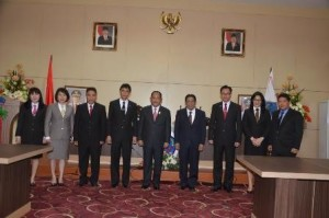 Sulawesi Utara, rolling pejabat, eseon II, DR. Jemmy Kumendong MSi, Dra. Lynda Watania MM MSi