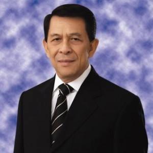 DR. Sinyo Harry Sarundajang , Paroki Roh Kudus , Kota Tomohon