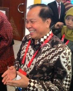 Wakil Walikota Bitung Maxmilian Lomban SE MSi