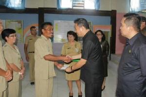 kelurahan , Insentif kelurahan, tomohon, AKBP Monang Simanjuntak SIK