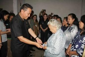Walikota Tomohon,  Jimmy F Eman SE Ak , Program Simpanan Keluarga Sejahtera,