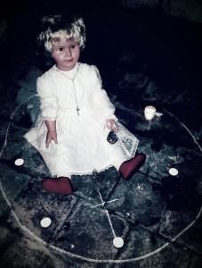 hantu, paranormal, boneka hantu, boneka peggy