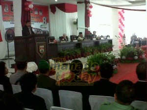 Rapat Paripurna, mitra, minahasa tenggara, Ketua DPRD, Drs Tavif Watuseke, Drs Jhon Palandung MSi