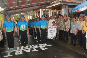 Walikota Tomohon melepas peserta lomba gerak jalan Hapsa P/KB Tomohon III