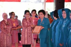 First Lady Sulut terima penghargaan Adhi Bhakti Utama PKK