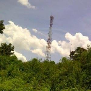 Minahasa Selatan , Ferry Mohede, tower seluler,