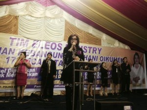 Bupati, Minahasa Selatan ,Christiany Eugenia Paruntu,KKR ,Tompasobaru,