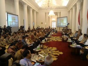 Gubernur ,Sulawesi Utara, DR. Sinyo Harry Sarundajang, Rakernas, Joko Widodo,