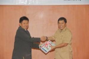 Bupati James Sumendap menerima dokumen APBD, WDP dari BPK-RI