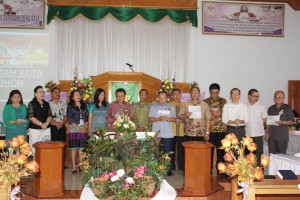 Walikota Minta Warga Tomohon Jaga Kerukunan dan Saling Membantu