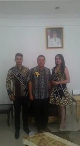 Walikota Tomohon JImmy F Eman SE Ak bersama Nyong Sulut dan Noni Sulut Berbakat 2015 asal Tomohon
