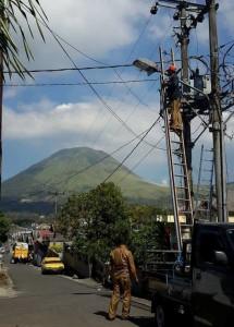 Pemkot Tomohon Eksis Pelihara Lampu Jalan dan Taman