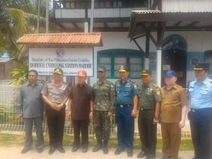 Gubernur, Sulawesi Utara, DR. Sinyo Harry Sarundajang,  Sangihe , Talaud