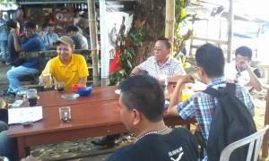 Sekertaris Daerah Danny Rindengan, saat bersama kalangan jurnalistik di suatu kesempatan