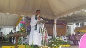 Ketua BPMS GMIM,  Pdt Dr HWB Sumakul , FSPG 2015, Festival Seni Pemuda Gereja