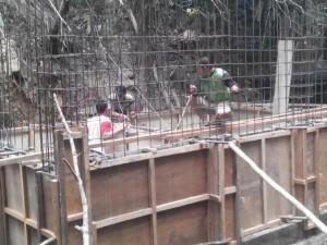 Bak penampungan air yang sementara dibangun di Kakaskasen I