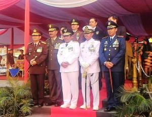 Foto bersama Pj. Gubernur Sumarsono dan pimpinan TNI Polri di Sulut