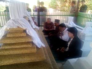 Penjabat Gubernur, Sulawesi Utara,DR. Soni Sumarsono MDM , Kampung Jawa Tondano,