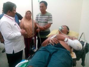 Sumarsono Jenguk Korban Kebakaran Inul Vista Manado