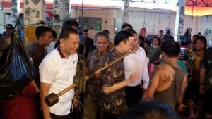 Pasar Tomohon,  Tertib Ukur, Thomas Lembong, Ruddy A Lengkong SSTP