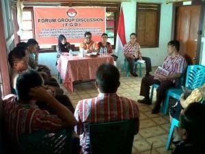 Panitia Pemilihan Kecamatan, PPK, Fanny Wurangian , Camat Touluaan ,Arnold Mokosolang MM