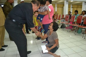 100 Orang Penyandang Disabilitas Dapat Santunan Pemkot Bitung