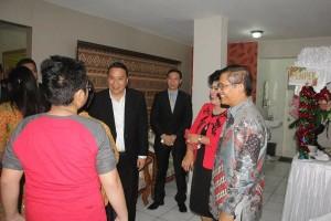 Walikota Tomohon di kediaman Kapolda Sulut