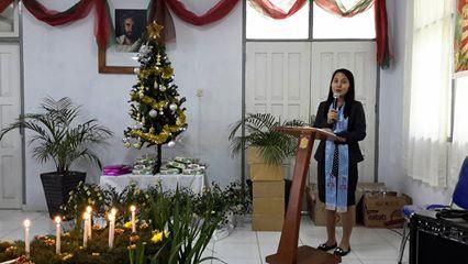 Pdt Ginna Budiman memimpin Ibadan Menyambut Natal Dinas Tarumansa Tomohon