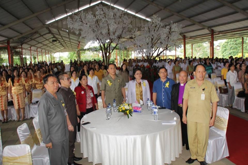 Walikota bersama pejabat Pemkot Tomohon di HKN ke-51 di Kota Tomohon
