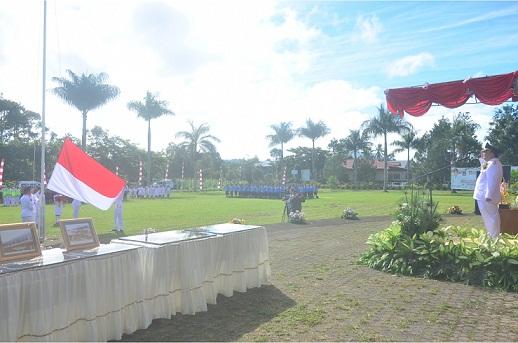 Upacara bendera dalam rangka HUT ke-13 Kota Tomohon