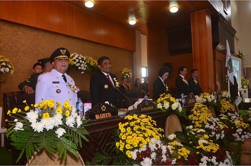 Penjabat Walikota Tomohon mengikuti Rapat Paripurna Istimewa DPRD Tomohon dalam rangk HUT ke-13