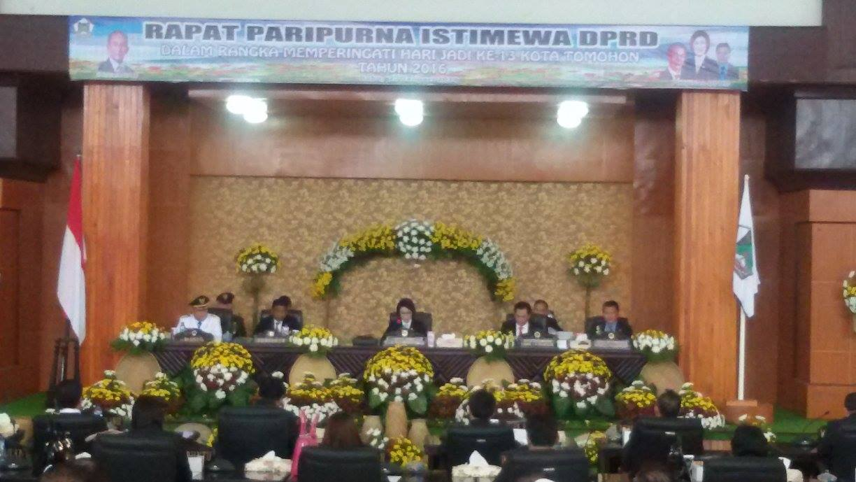 Rapat Paripurna Istimewa DPRD Tomohon dalam rangka HUT ke-13 Kota Tomohon