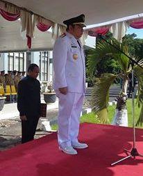 Penjabat bupati Rene Hosang saat menjadi Irup di HUT Minsel ke 13