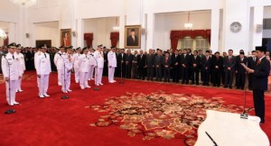 Gubernur Olly Dondokambey dilantik Presiden Joko Widodo di Istana Negara bersama para gubernur lainnya di Indonesia