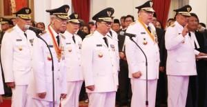 Gubernur Sulut OIly Dondokambey saat diambil sumpah dan janji sebagai Gubernur Sulut periode 2016-2021