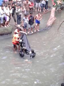 Zevanya Mandey, Pinaling , air terjun desa Lelema