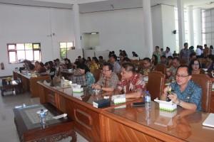 Walikota-Wakil Walikota Tomohon Tatap Muka dengan Pejabat