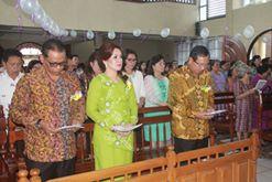 wakil walikota bersama suami dan jajaran Pemkot Tomohon