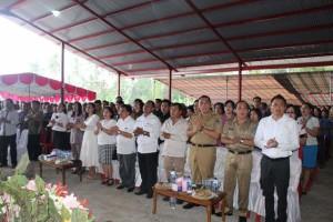 Bupati, wakil bupati dan mewakili gubernur saat mengikuti ibadah paskah
