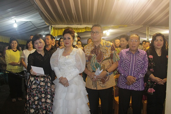 Jajaran Pemkot Tomohon yang hadir di HUT ke-19 Perkawinan Keluarga Purba-Sompotan