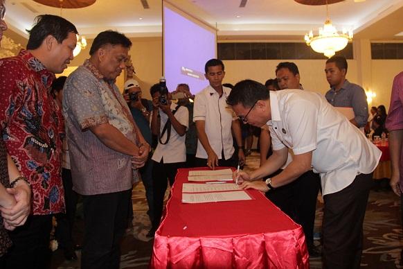 Walikota Tomohon JFE tandatangani Memorandum of Understanding (MoU) tentang Penanggulangan Kemiskinan
