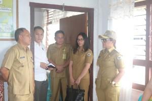 Sidak, Wakil Wali Kota Tomohon Dapati Dua Lurah tak di Tempat