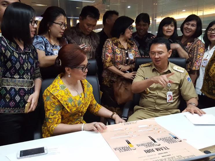 Wakil Wali Kota Tomohon bersama rombongan berbincang-bincang dengan Ahok, Gubernur DKI Jakarta