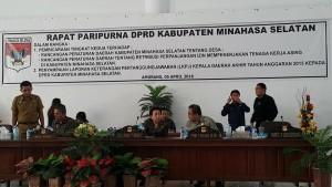 DPRD Minsel, Rapat Paripurna, Chrsitiany Eugenia Paruntu,Jenny Johana Tumbuan,
